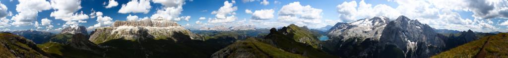 Dolomity - panorama z Col del Cuc.
