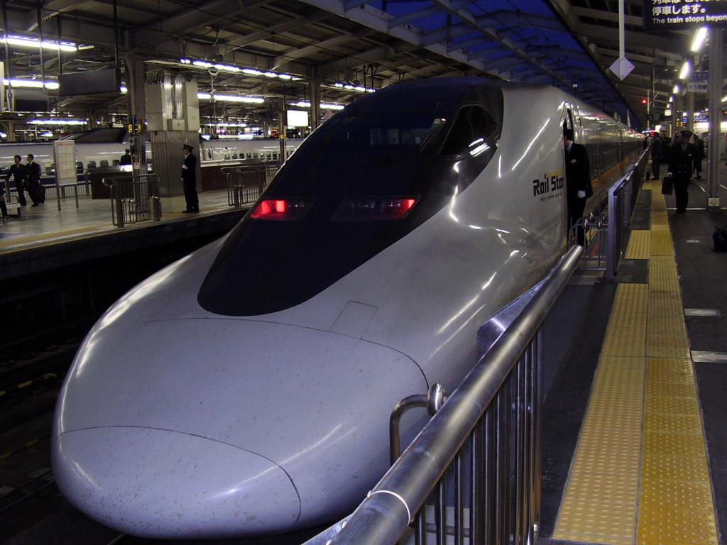 Shinkansen - lokomotywa seria 700