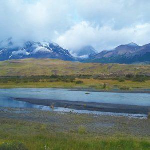 Park Narodowy Torres del Paine w otoczeniu Andów
