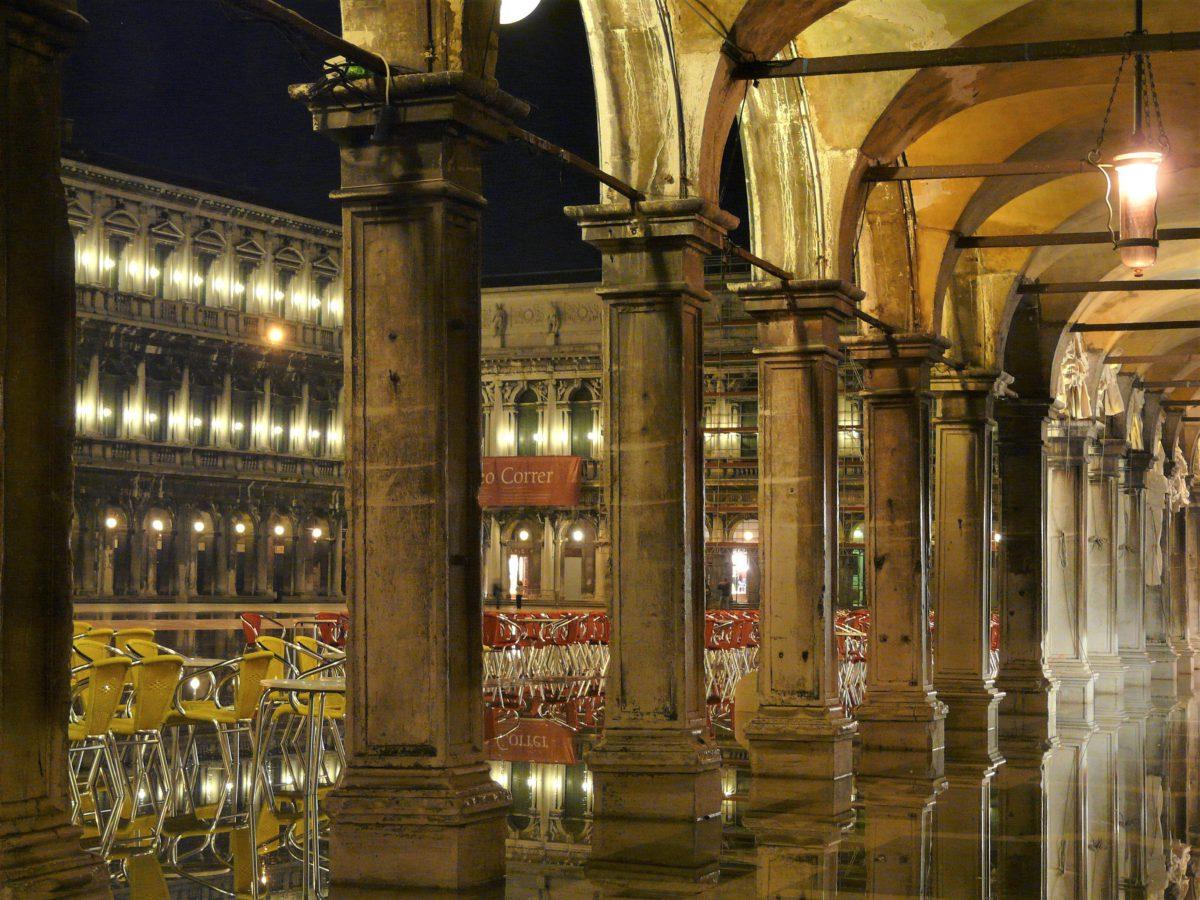Acqua Alta na Placu Świętego Marka to często powtarzające się zjawisko
