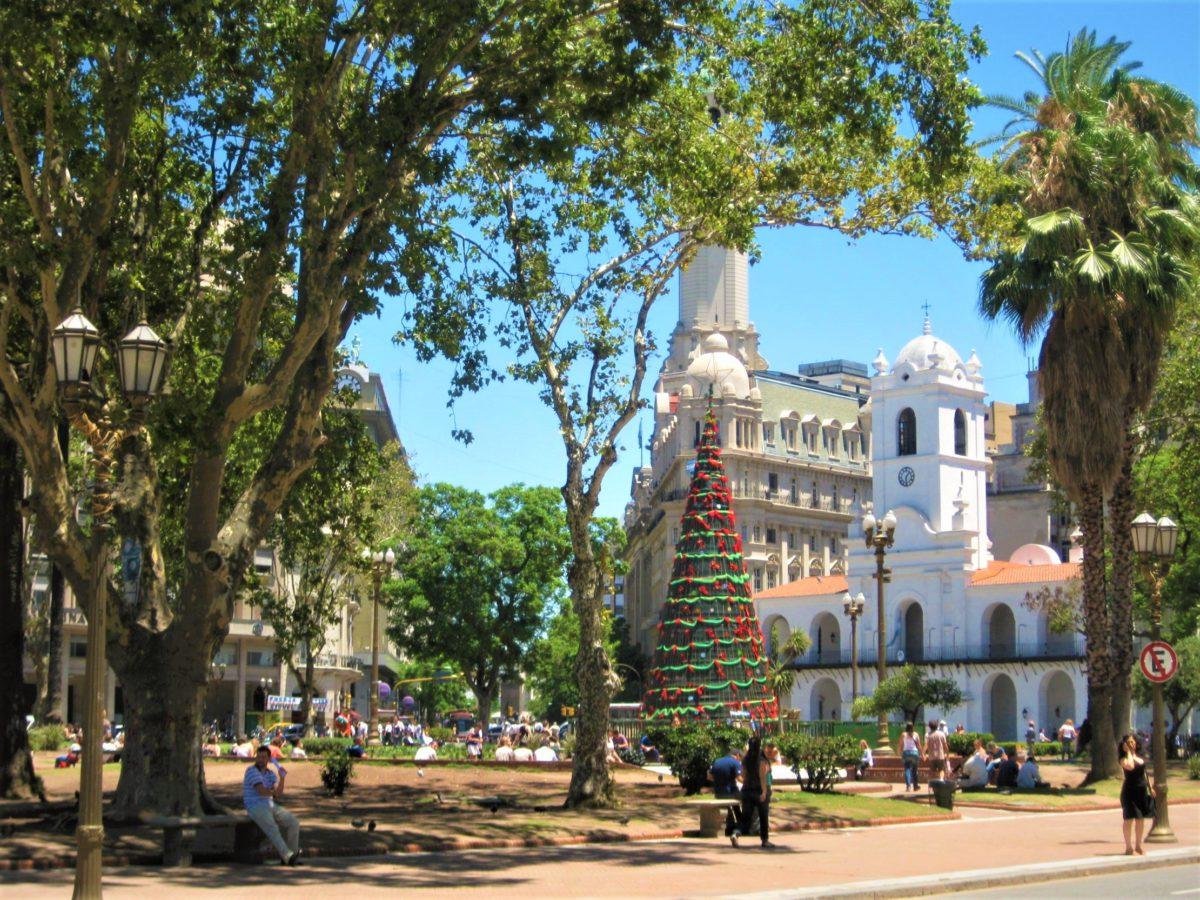 Cabildo to siedziba Rady Miasta. Jest to jeden z najlepiej zachowanych budynków w stylu kolonialnym