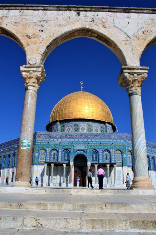 Wzgórze Świątynne w Jerozolimie, zwanej Miastem Pokoju
