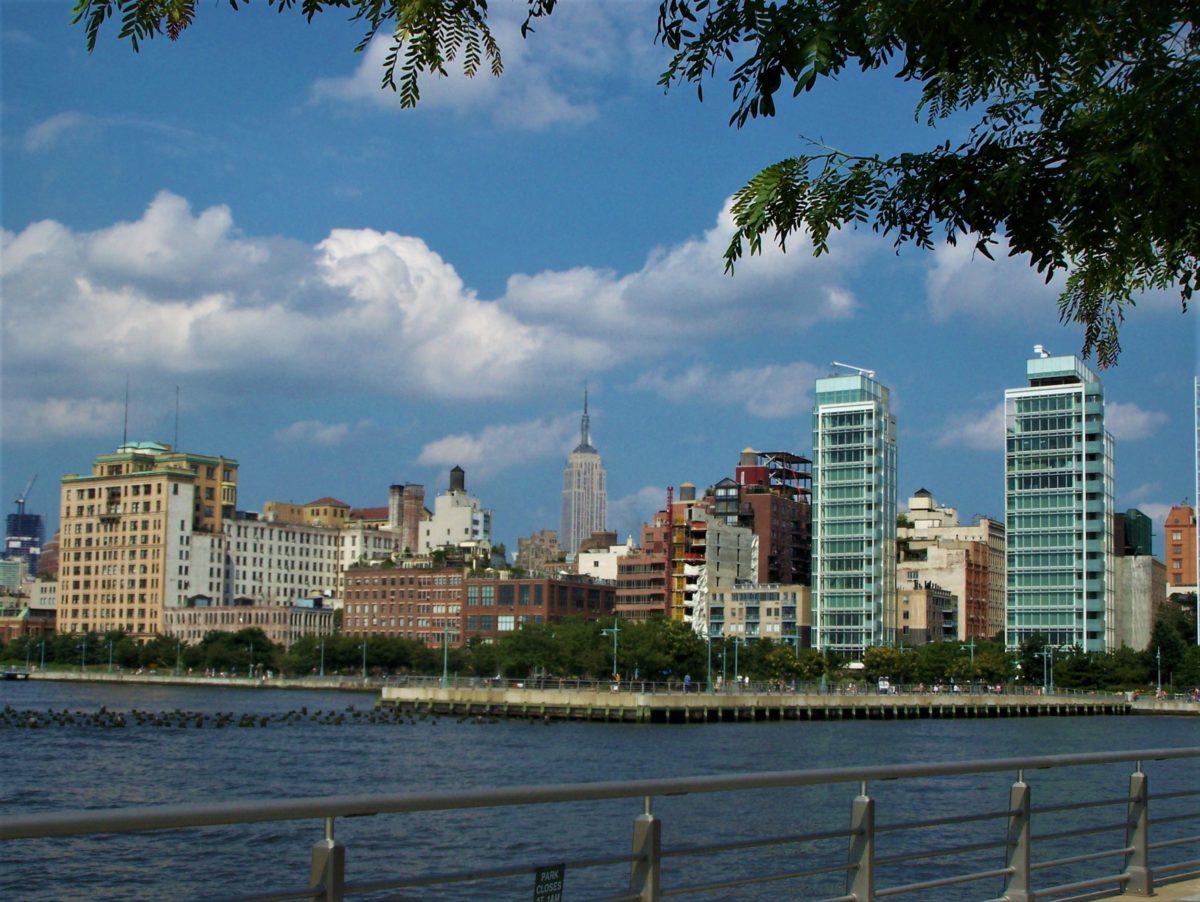 Widok na Empire State Building od strony Hudson River