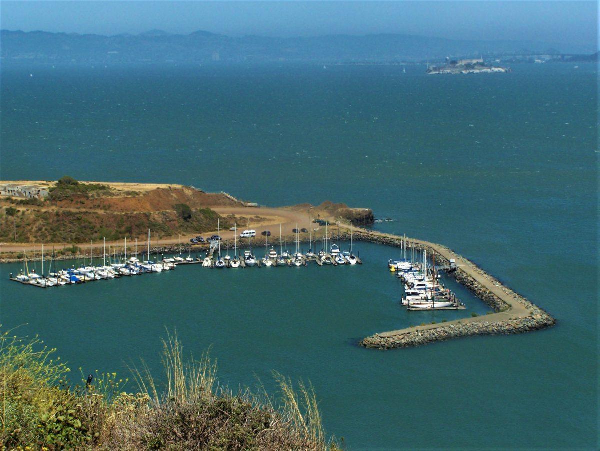 Niewielki port dla jachtów obok mostu Golden Gate