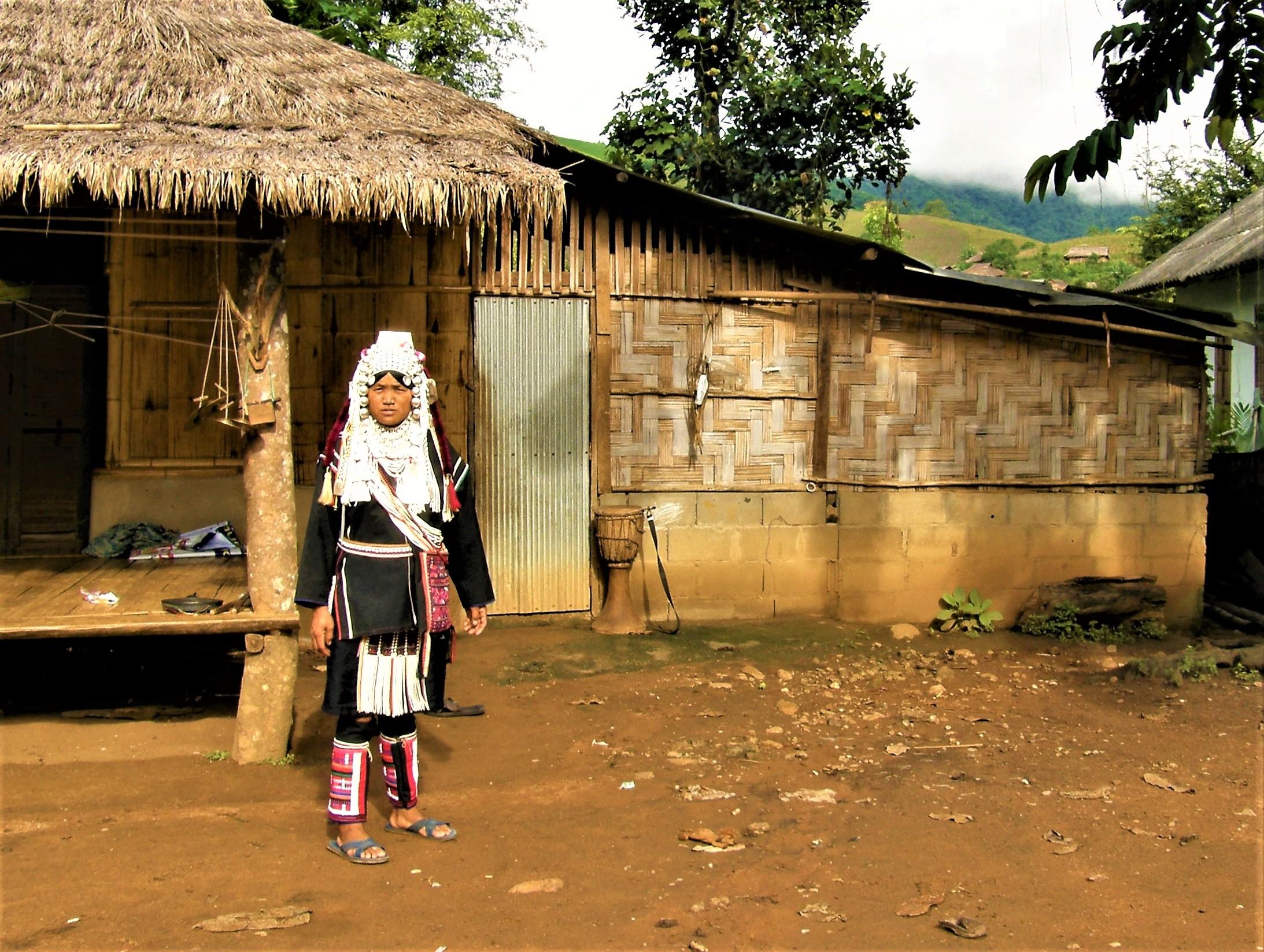 Kobieta z plemienia Akha w północnej Tajlandii