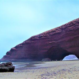 Plaża Legzira w Sidi Ifni nad Oceanem Atlantyckim