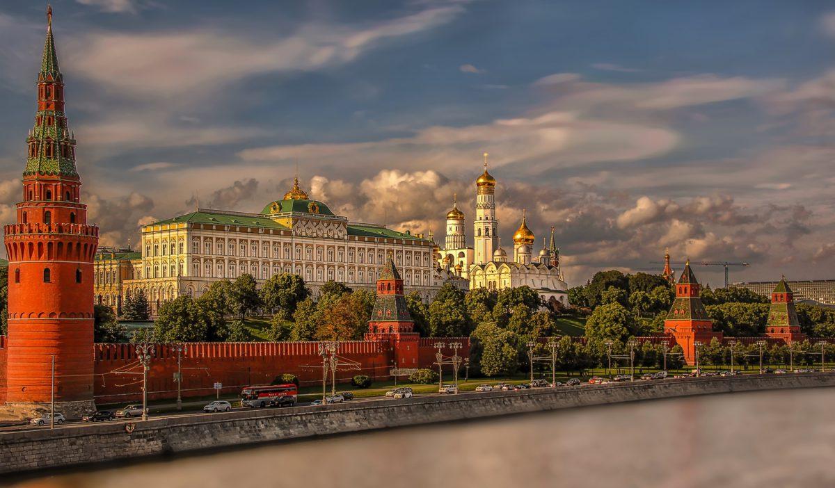Plac Czerwony położony jest w bezpośrednim sąsiedztwie Kremla