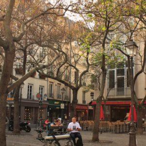 Plac Edmont-Michelet sąsiadujacy z Centrum Pompidou