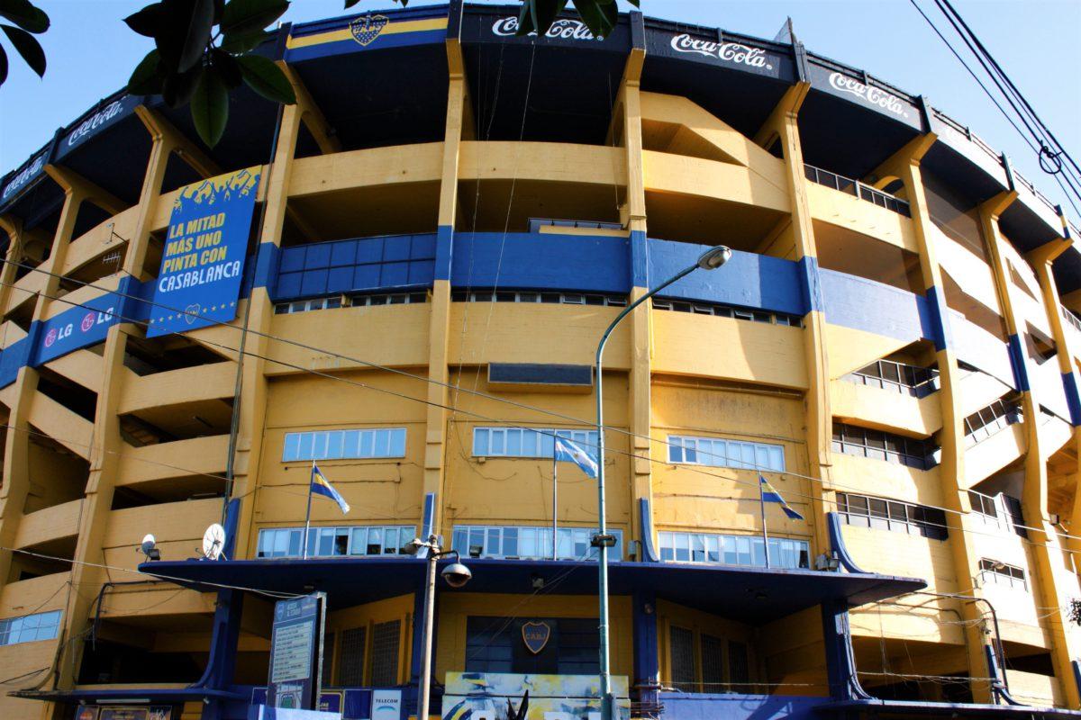 Stadion La Bombonera w dzielnicy La Boca