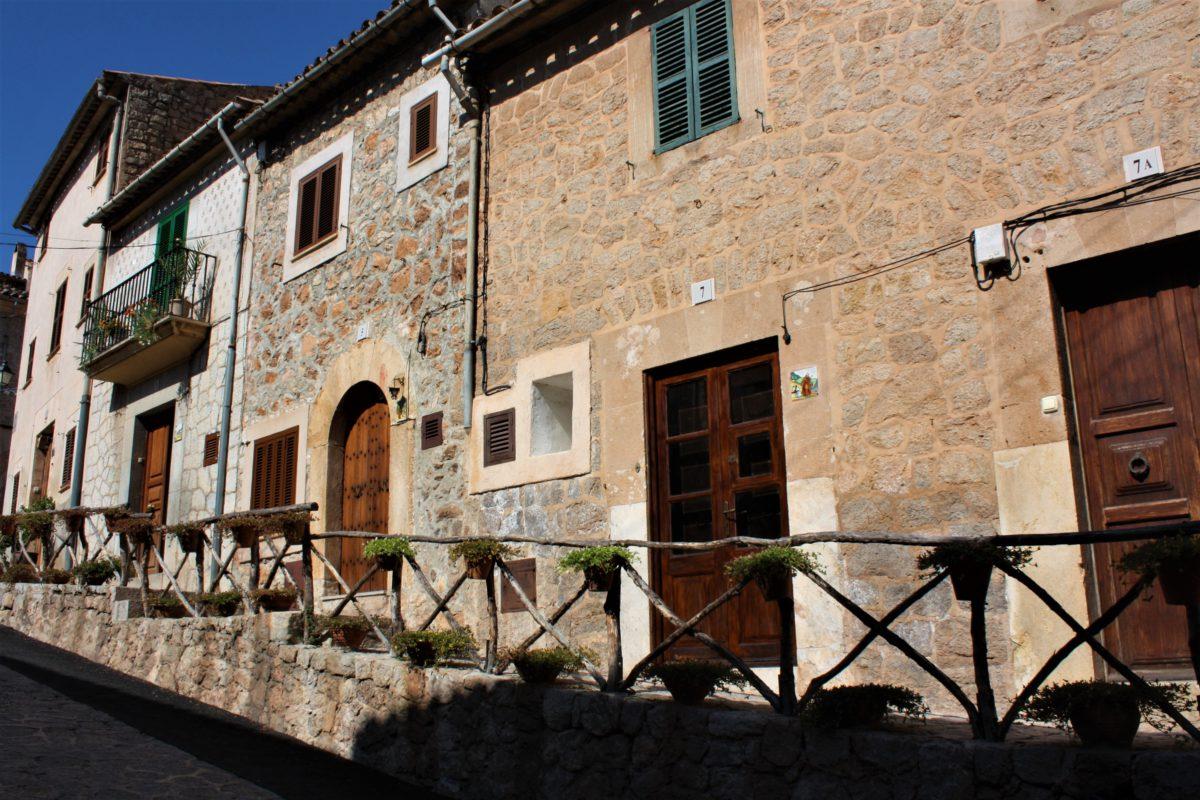 Kamienne domy w Valldemossa