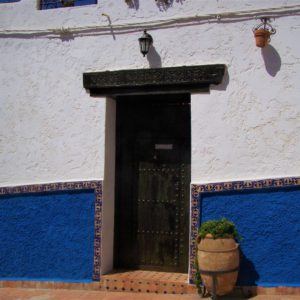 Wejście do jednego z domów w Kasbah des Oudaias, dzielnicy Rabatu w Maroku