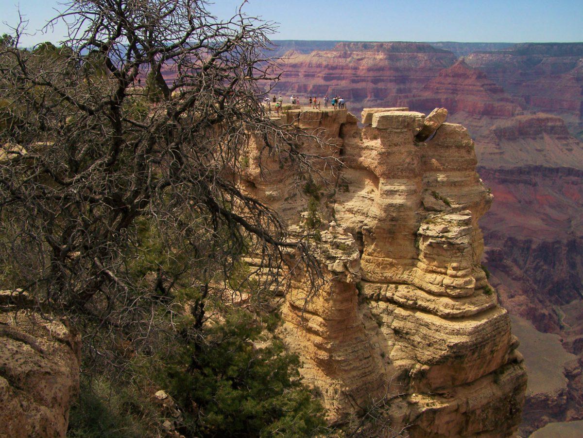 Platforma widokowa, z której rozpościera się panorama Wielkiego Kanionu