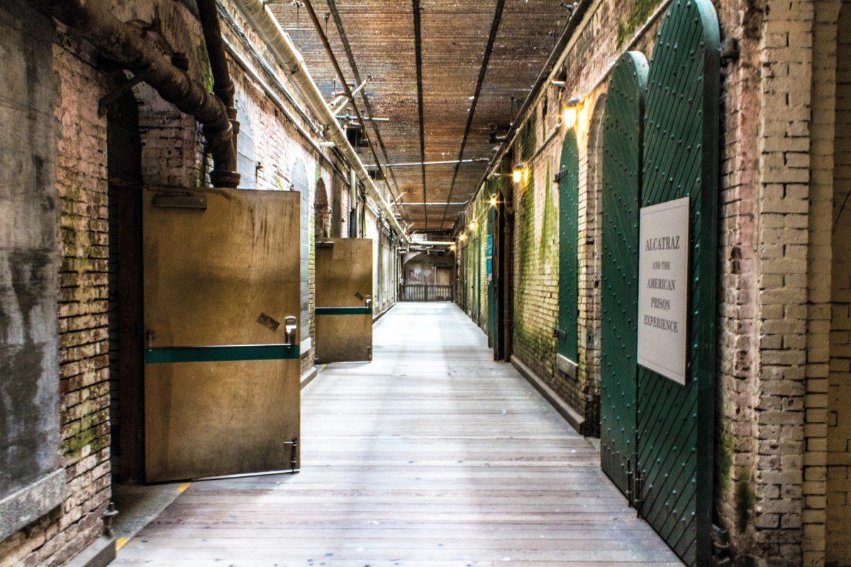 Korytarze więzienne w Alcatraz