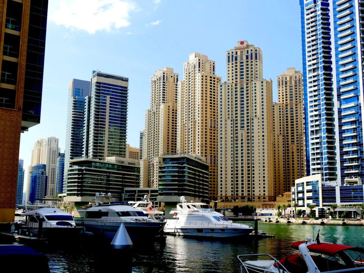 Budując wieżowce w Dubaju inżynierowie muszą stanąć do walki z trudnymi warunkami klimatycznymi i geologicznymi