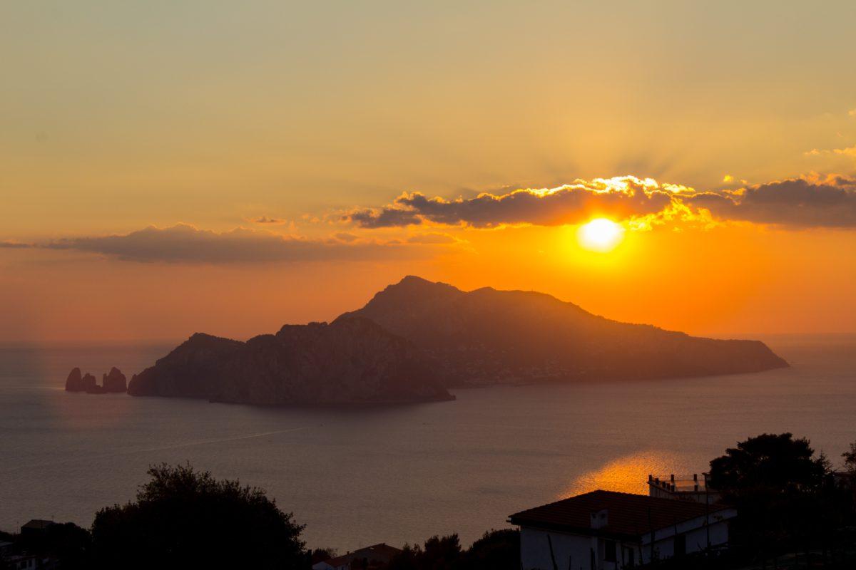Zachód słońca nad Capri