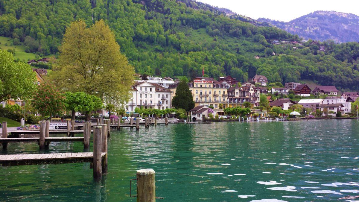 Jezioro Czterech Kantonów, przy którym leży miasto Lucerna