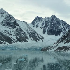 Fiord Magdalena na zachodnim wybrzeżu Spitsbergenu, największej wyspie archipelagu Svalbardu