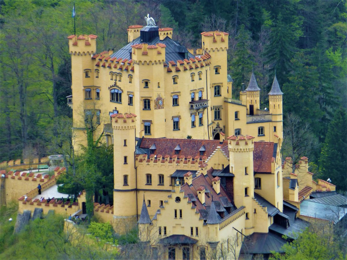 Zamek Hohenschwangau, w którym wychowywał się przyszły król Ludwik II Bawarski