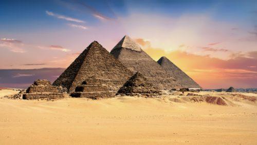 Wielka Priamida Cheopsa to jeden z największych cudów świata