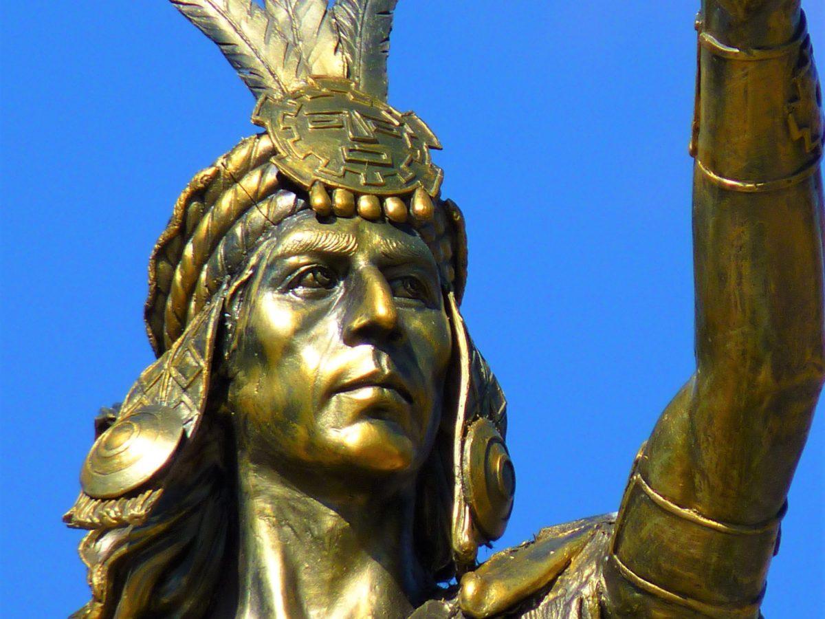 Inkowie oddawali cześć nie tylko słońcu i naturze, ale także swojemu władcy którego uważali za boga
