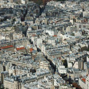 Gęsta sieć ulic i uliczek tworzy niezwykłą panoramę Paryża
